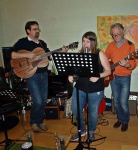 Abschiedskonzert aus Anlass des Weggangs von Lucy Ende August 2014. Schon dabei: Der jetzige Gitarrist Clemens Niederberger (links) und Gitarrist Konny Goecke (rechts)
